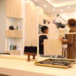 salon de coiffure élégant et chaleureux salon jeune coiffure paris